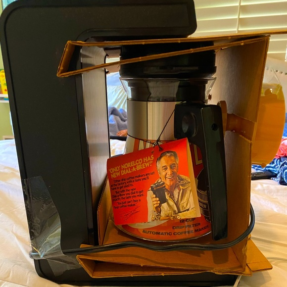 Rare! Vintage! 70s Norelco 12 coffee maker NWOT